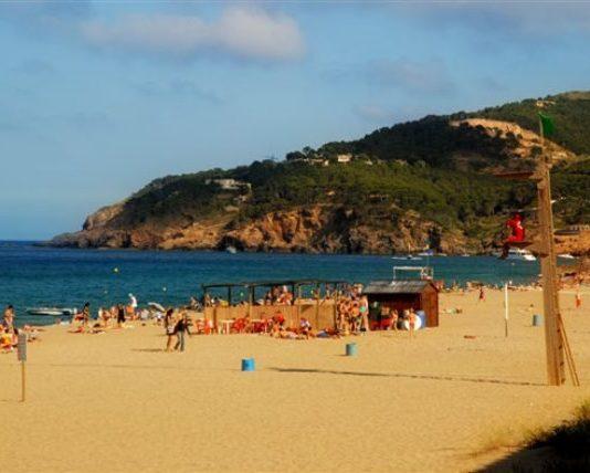 Platges nudistes del Baix Empordà