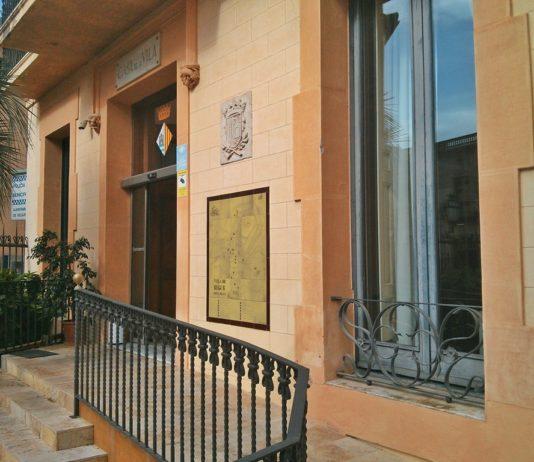 Façana de l'Ajuntament de Begur   Imatge d'arxiu