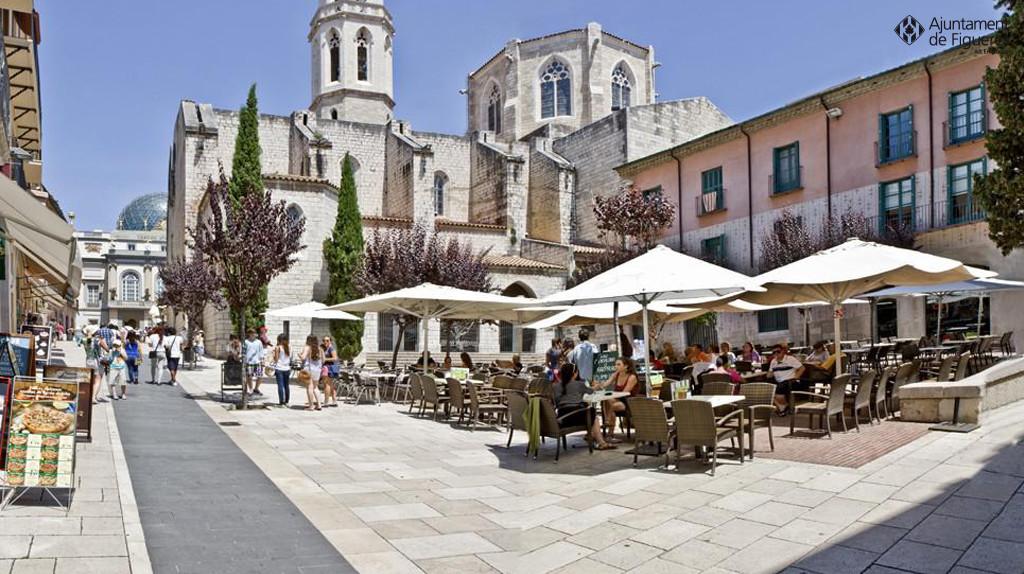 Una altra visi de la ciutat de figueres a trav s de la - La pergola figueres ...