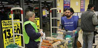 Sant Feliu de Guixols: Campanya el Gran Recapte que es fa en molts supers de les comarques gironines. Ho organitza el Banc dels Aliments.