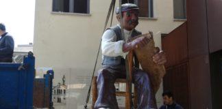 En Pepet arriba al Museu de Suro de Palafrugell   Imatge del Museu del Suro de Palafrugell