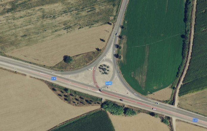 Imatge satèl·lit d'abans de les obres del giratori a carretera C-31 i GI-632