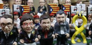 El Caganer representant Dolors Bassa, acompanyada de Rull, Junqueras, Cuixart i el llaç groc | Imatge de l'ACN