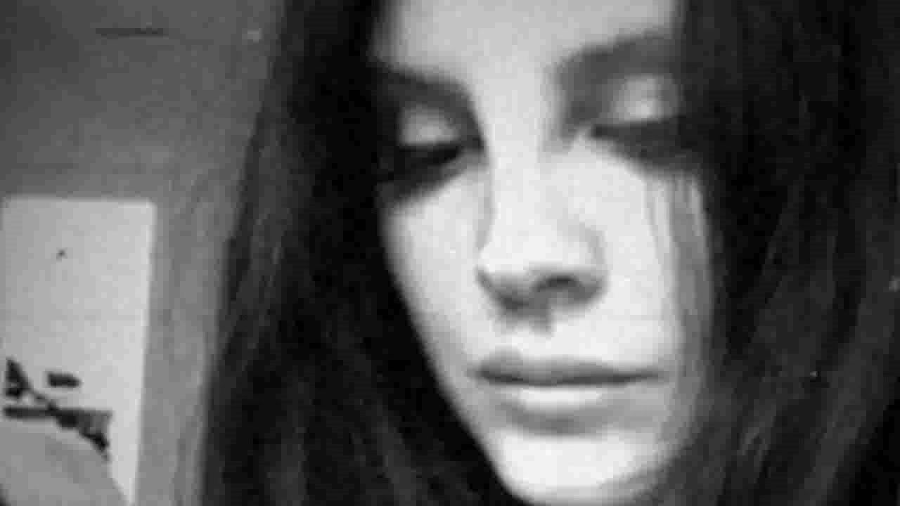 Lana del Rey presenta 'hope is a dangerous thing for a woman like me to have – but i have it'