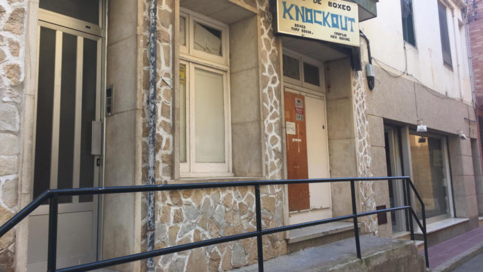 Local a la travessia de la Barceloneta 18 on hi ha una associació de fumadors de marihuana a Sant Feliu de Guíxols