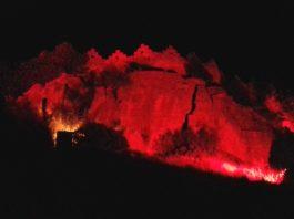 """privat:-el-castell-de-begur-s'illumina-de-vermell-en-record-de-la-""""bailaora""""-carmen-amaya"""