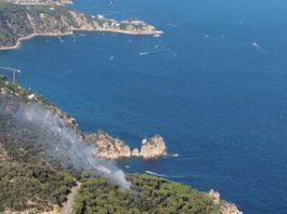 Incendi forestal a Sant Feliu de Guíxols | Imatge dels Bombers de la Generalitat