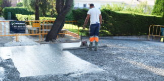 Imatge de la pavimentació a la residència Surís   Imatge de Ràdio Sant Feliu
