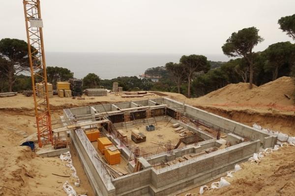 Zona de construcció de Montcal 2 a Aiguablava al municipi de Begur | Imatge de SOS Aiguafreda